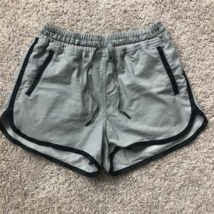 """Relaxed To & From Lululemon Short 2.5"""" inseam"""